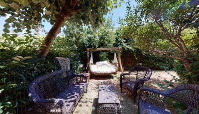 Göl Konakları Çekmeköy Bahçeli  Yenilenmiş Satılık Şirin Villa