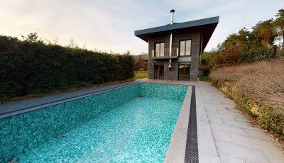 Çekmeköy Mayavera Evleri Lokasyonunda 2,5 Dönüm Arsa İçerisinde Hem İşyeri Hem Konut Kullanımına Uygun, Havuzlu Müstakil Dubleks Villa 3D Model
