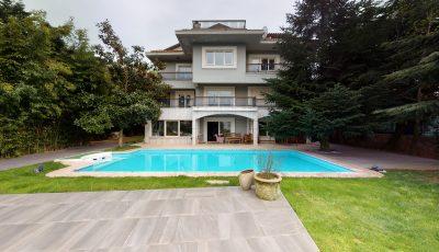 Acarkentte İzole Behçeli, Önü Açık Fırsat C Revizyon Satılık Villa